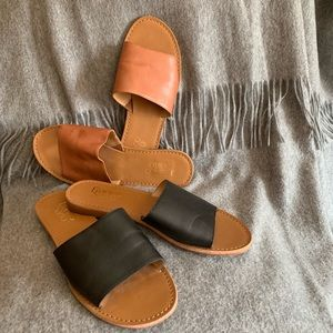 Set of 2 casual leather slide sandals! 🖤🧡